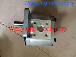 China XCMG wheel loader spare parts ZL30G transmission pump 5000018 supplier
