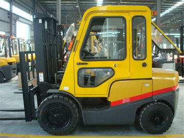 China 3T diesel forklift with cab two stage mast three stage mast with free lifting factory