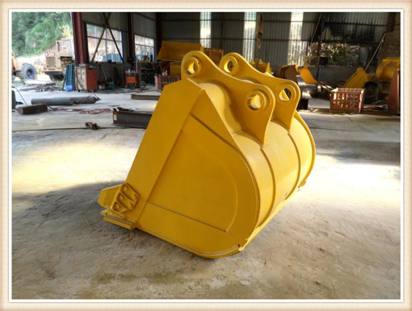 sell good quality Caterpllar excavator CAT330D 1.6-1.8M3 rock bucket