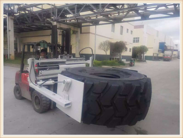 Tyre clamp for big diameter tyre