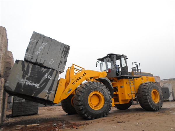 Supply big capacity rought terrain mine machine 40T block forklift loader with 247KW engine