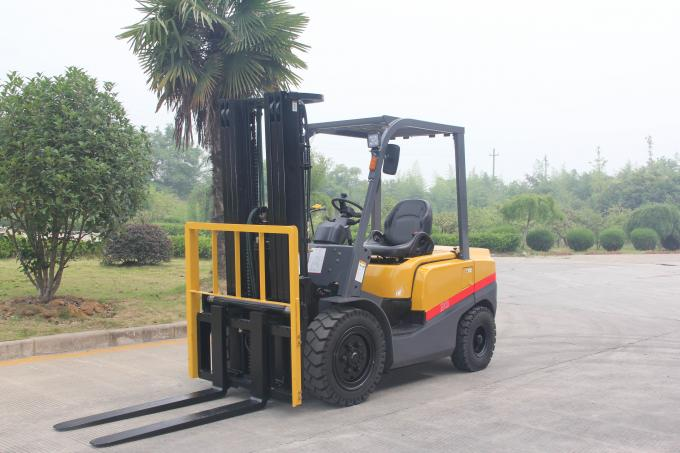 China Made 2ton Counterbalanced Engine Power Diesel Forklift Truck