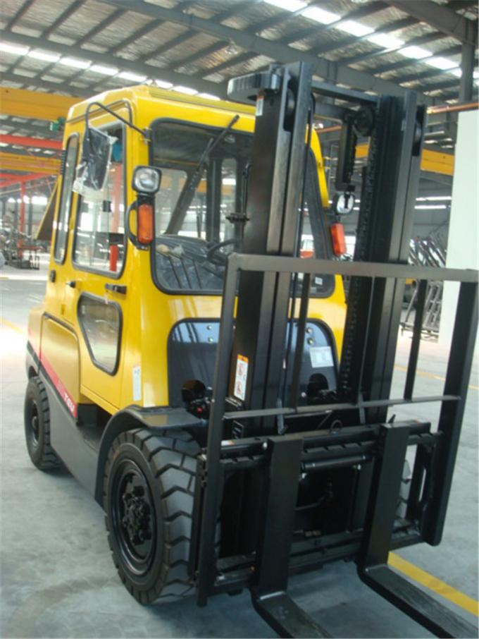 3T diesel forklift with cab two stage mast three stage mast with free lifting